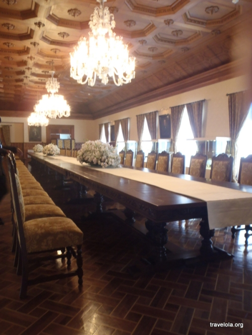 ...big dining hall...