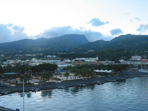 Papeete from a nicer angle (*not my pic*)