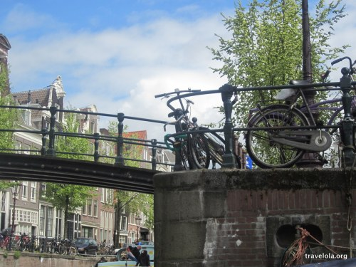 dutch-transport-amsterdam-travelola